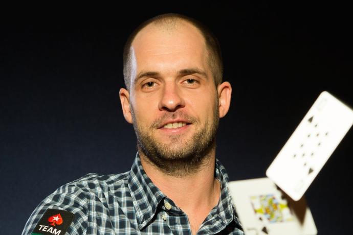 Как начать играть в покер?