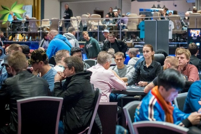 WSOP Europe: €10,350 Main Event. День 1А
