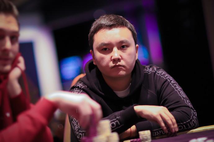 Шынгыс на финальном столе Master Classics of Poker