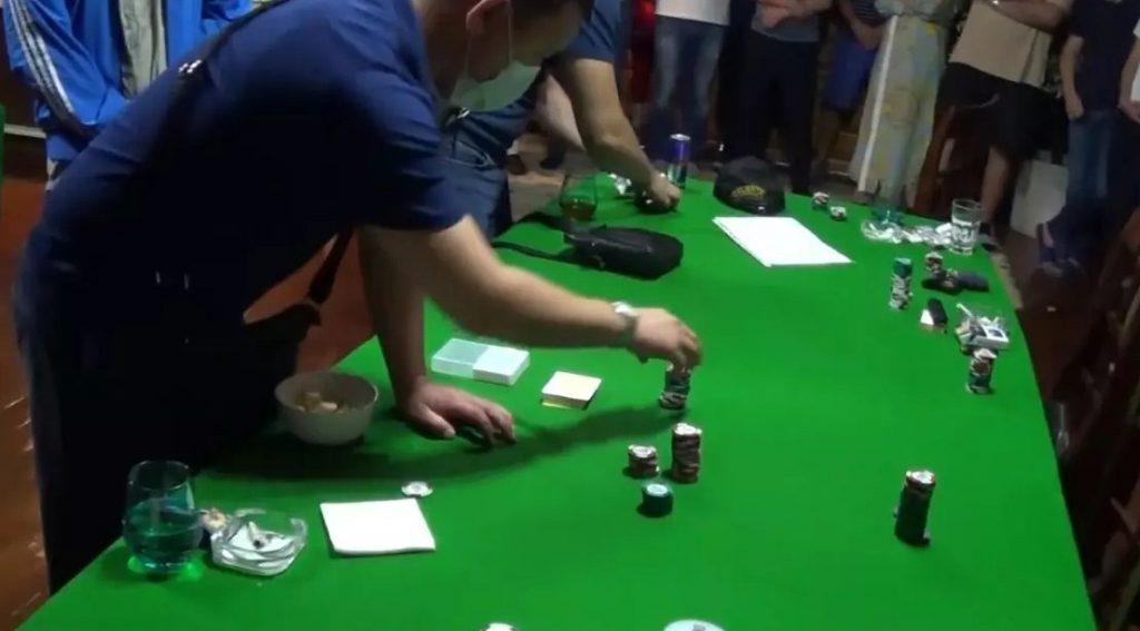 В Алматы накрыли подпольный покерный клуб